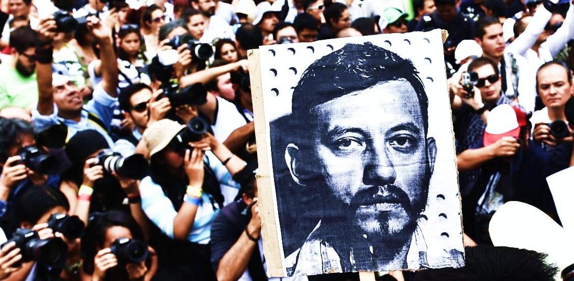 Manifestacion despues de las matanzas y violaciones.